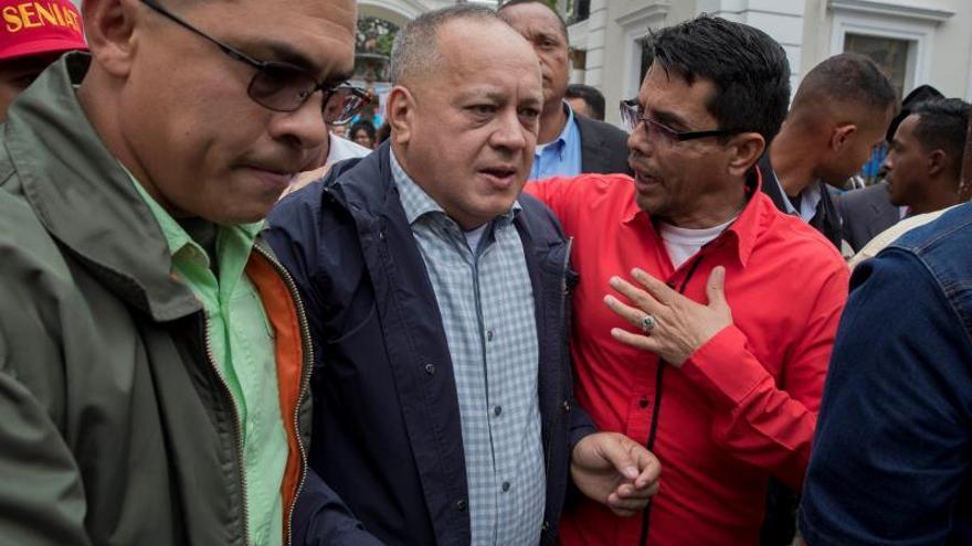En la imagen el presidente de la Asamblea Nacional Constituyente, Diosdado Cabello (c).