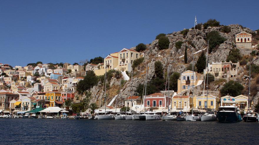 Las casas de colores son una de las señas de identidad de la isla griega de Symi. BIG ALBERT
