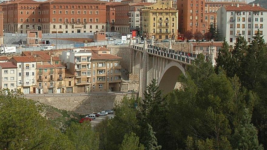 El detenido es hermanastro de la menor que se suicidó arrojándose al vacío desde el viaducto de Teruel
