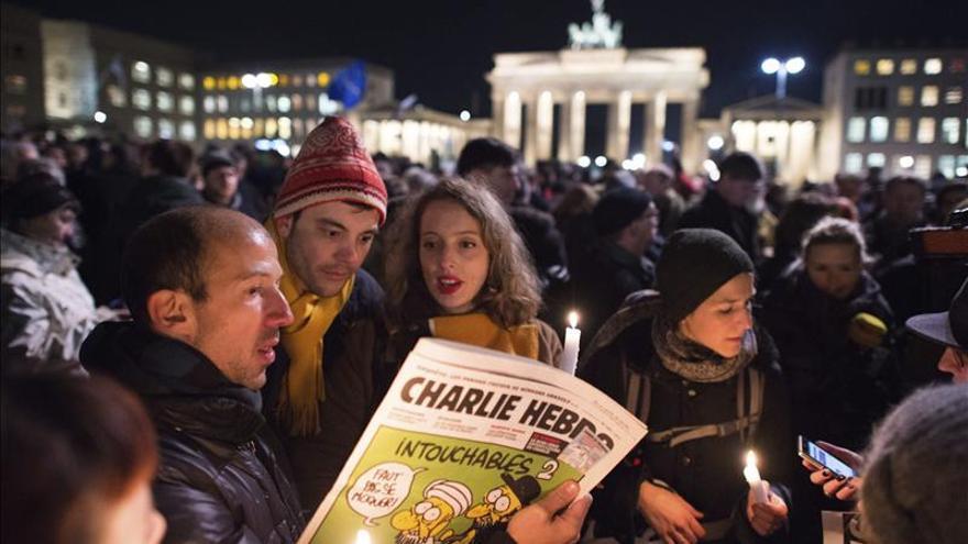 """Concentración en silencio en Berlín en solidaridad con """"Charlie Hebdo"""""""