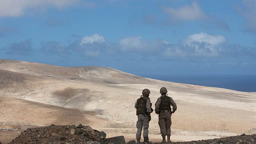 Militares en Fuerteventura. (CARLOS DE SÁA)