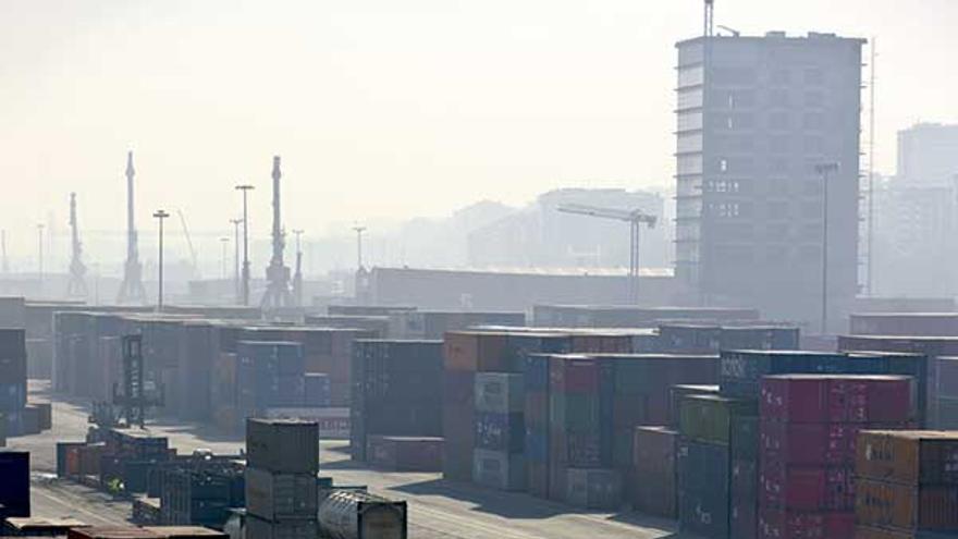 Contenedores en el Puerto de Bilbao. Foto: Puerto de Bilbao