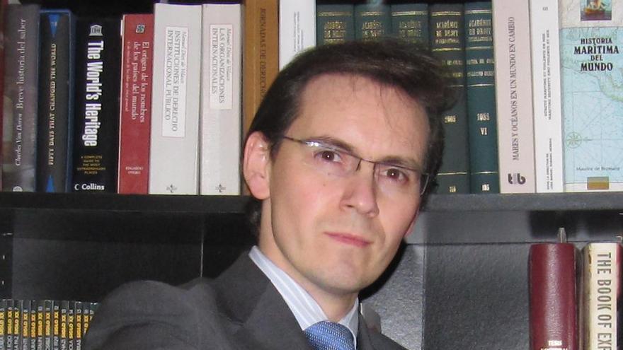 Jorge A. Quindimil López, profesor de Derecho Internacional Público especializado en seguridad en las fronteras marítimas./Imagen cedida.