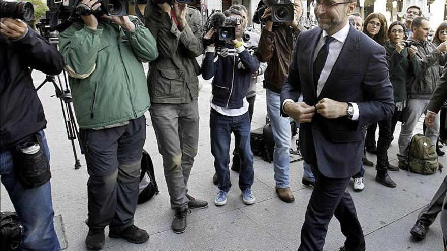 """El embajador de EEUU se reúne con Margallo y lamenta """"las tensiones"""" provocadas por el espionaje"""