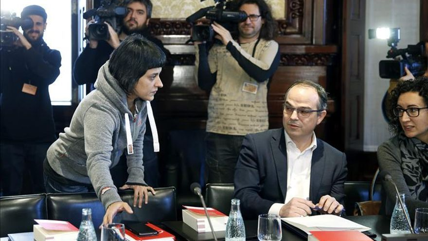 La CUP pide a Junts pel Sí y a entidades una reunión y reclama otro candidato