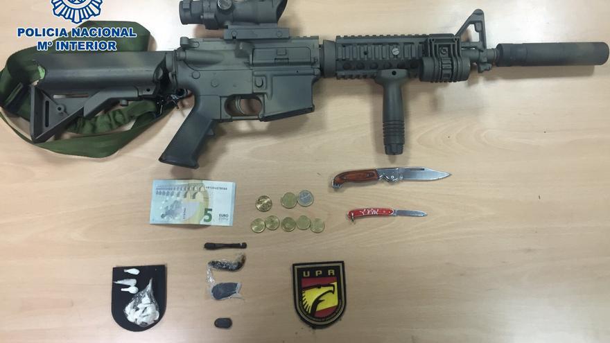 Arma de fuego dedicadas al uso lúdico-deportivo intervenida en el barrio de San Juan