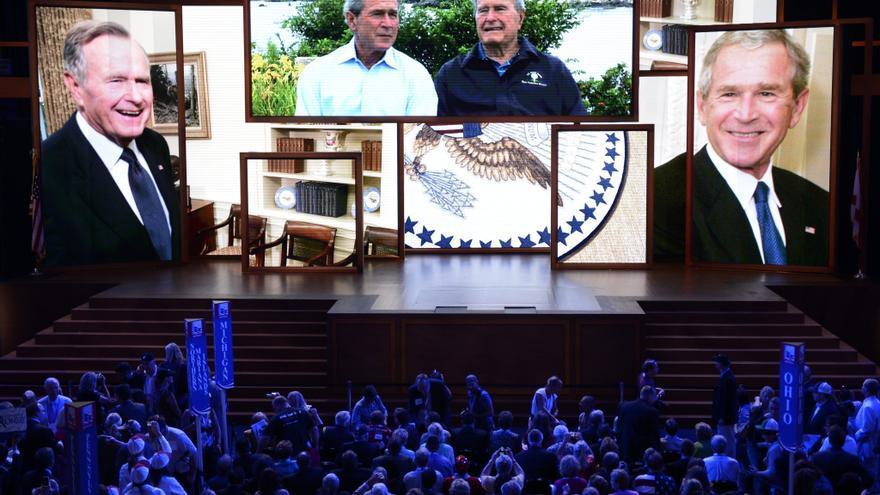 Los Bush dan su apoyo a Mitt Romney por vídeo en la Convención Republicana