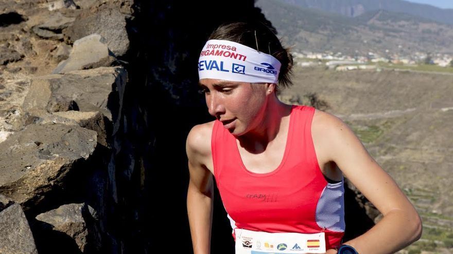 Alice Gaggi, la primera clasificada en categoría femenina, con un tiempo de 59 minutos y 48 segundos.