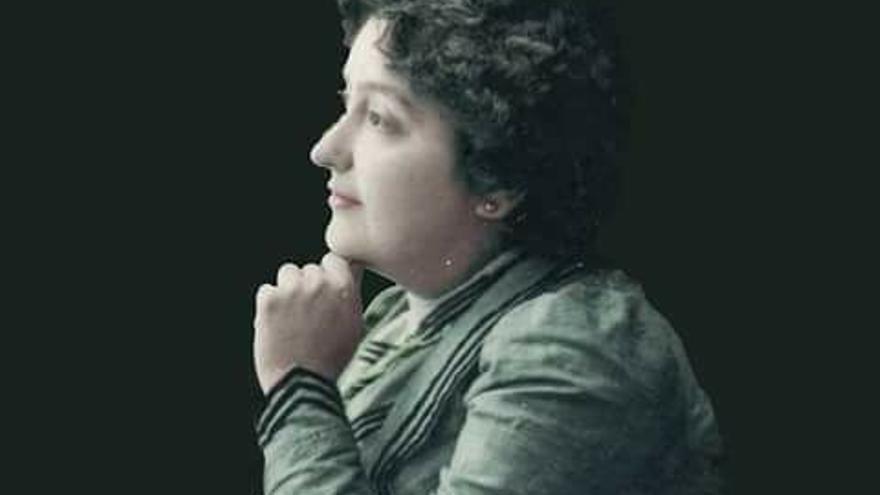 Carmen de Burgos, Colombine, la primera periodista española