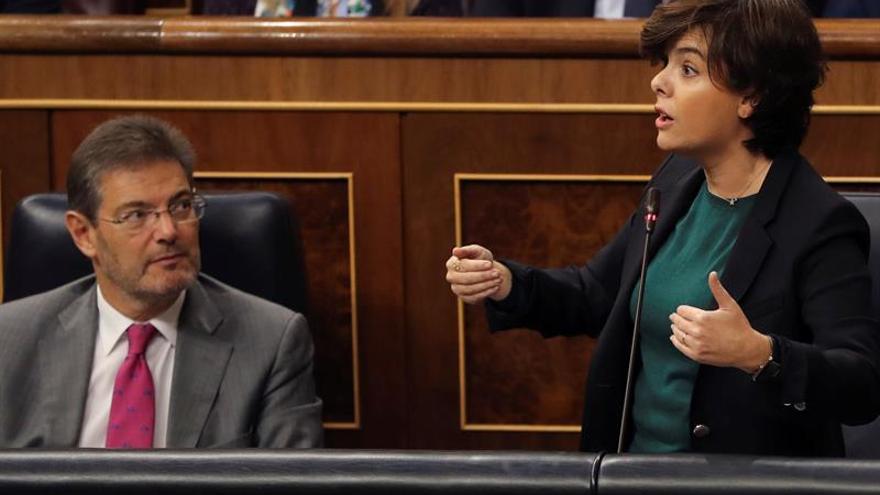 S.Santamaría: La reforma constitucional va más de Juncker que de Junqueras
