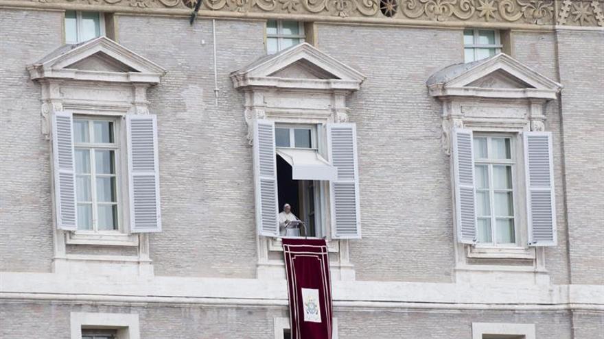 """El papa pide una """"solución pacífica y democrática"""" para Venezuela"""