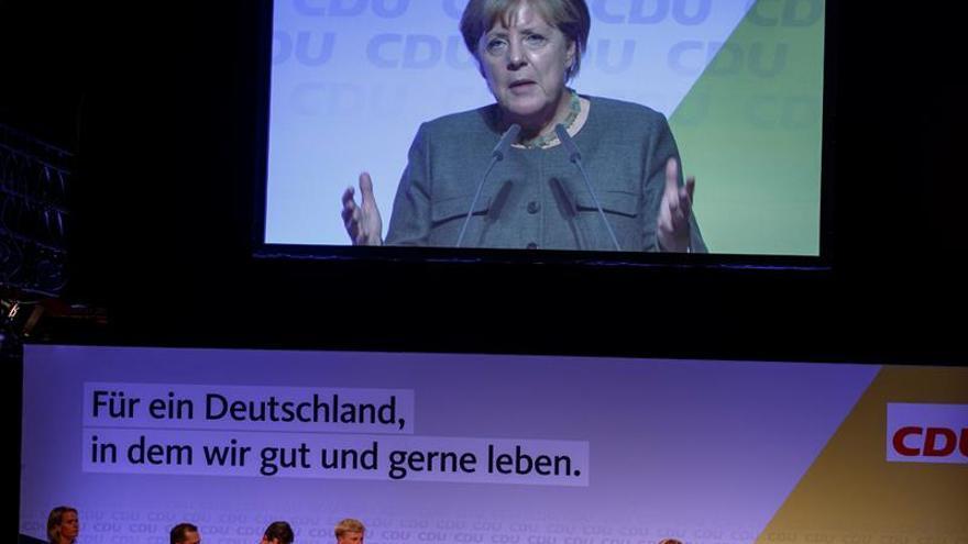 Merkel duda de que Schulz pueda financiar las promesas electorales del SPD