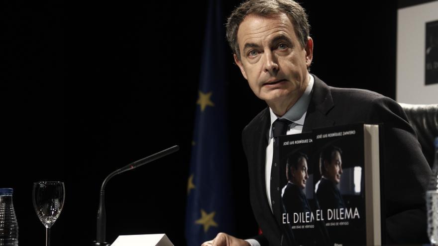 El expresidente José Luis Rodríguez Zapatero durante la presentación de su libro