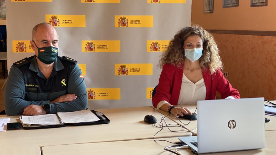 La delegada del Gobierno, Ainoa Quiñones, y el oronel jefe de la Guardia Civil de Cantabria, Luis del Castillo, participan de forma telemática en la Junta Local de Seguridad de Val de San Vicente