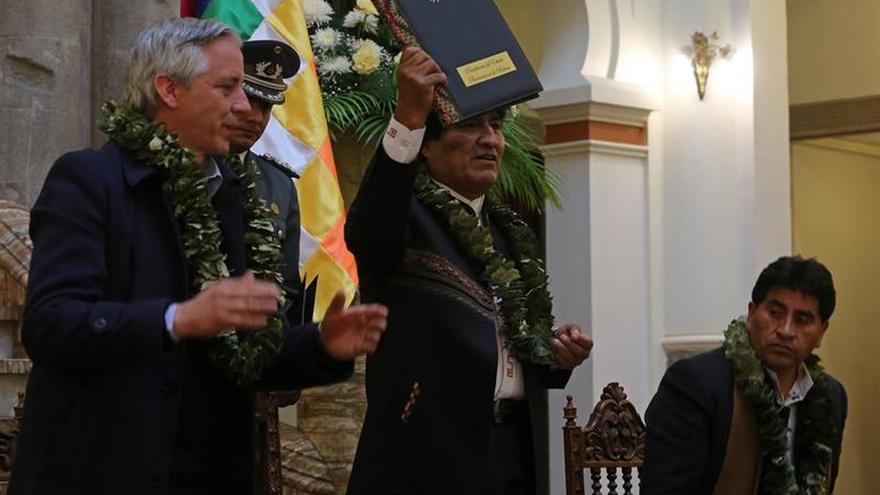 Morales firma la legalización de nuevos cocales en Bolivia con críticas a EE.UU.