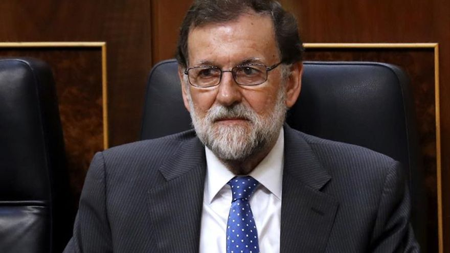 Rajoy pide al PSOE construir en vez de decir que le acorrala la corrupción