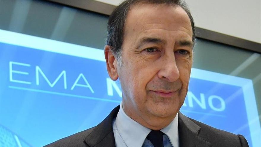 """Italia lamenta la pérdida de EMA para Milán y critica la """"burla"""" del sorteo"""