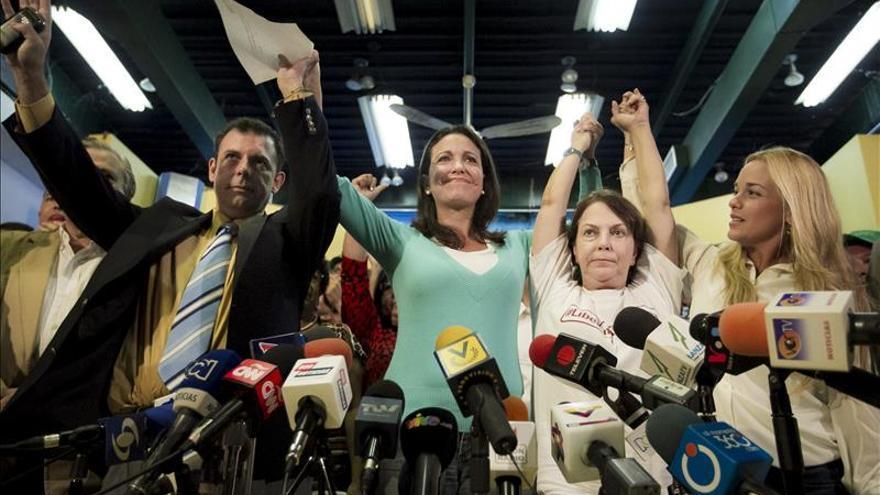 Opositores venezolanos suscriben un acuerdo vinculado a supuesto plan golpista