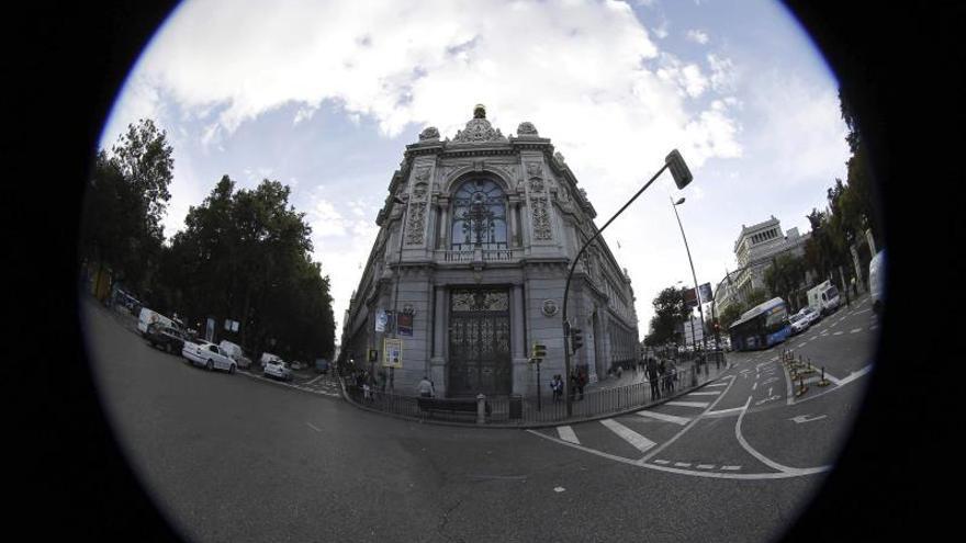 El Banco de España pide a las entidades un «cambio de conducta» para lavar su imagen