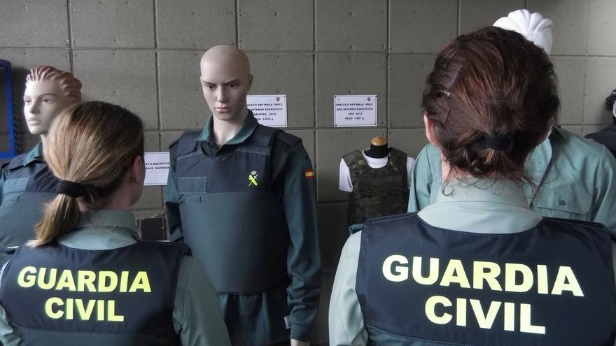 La Guardia Civil incorpora 920 vehículos a su flota y adquiere 6.480 chalecos antibalas