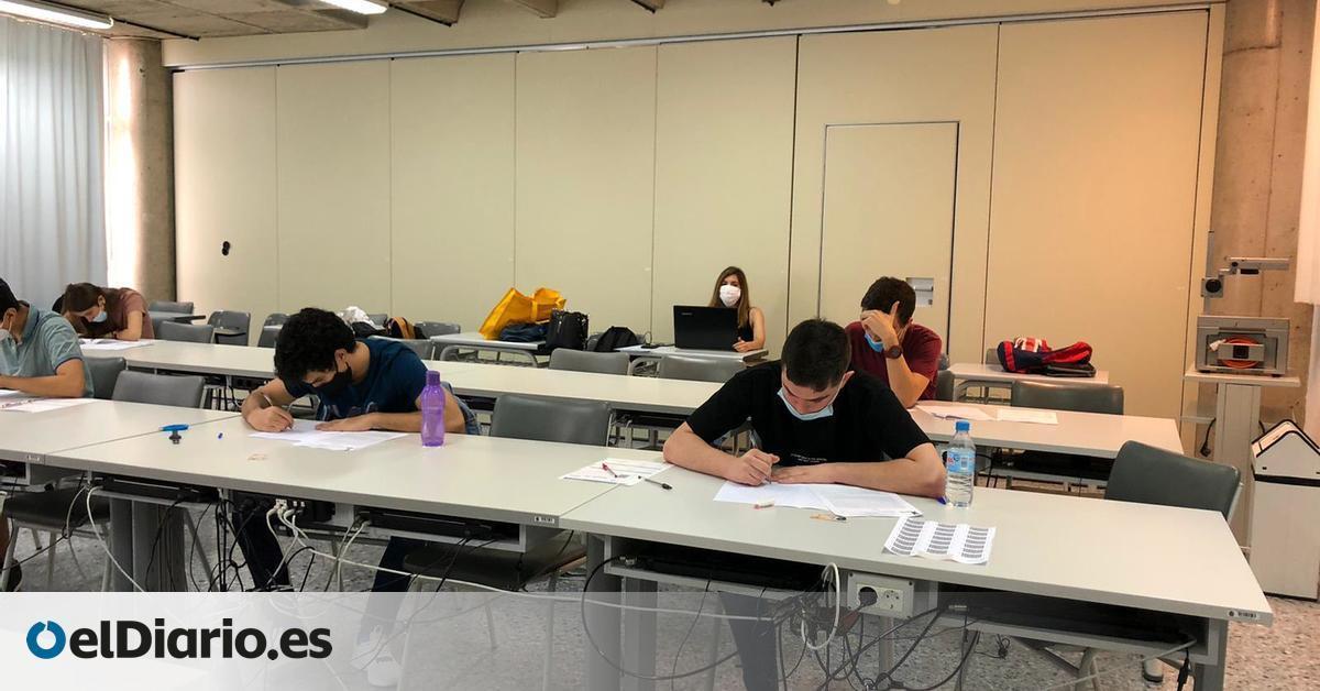 """Viajes exprés para hacer las pruebas y """"mucha incertidumbre"""" en el arranque de los exámenes de la ULPGC"""