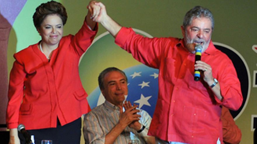 La candidata presidencial, Dilma Rousseff, y el presidente de Brasil, Luiz Ináci