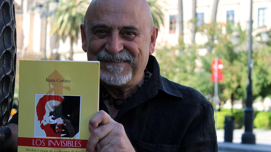 Cosano y 'Los invisibles'. | JUAN MIGUEL BAQUERO