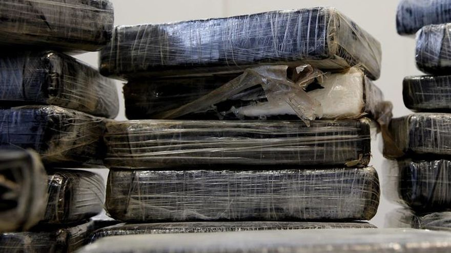 Once detenidos e incautados 49 kilos de coca y 20 de hachís en Canarias