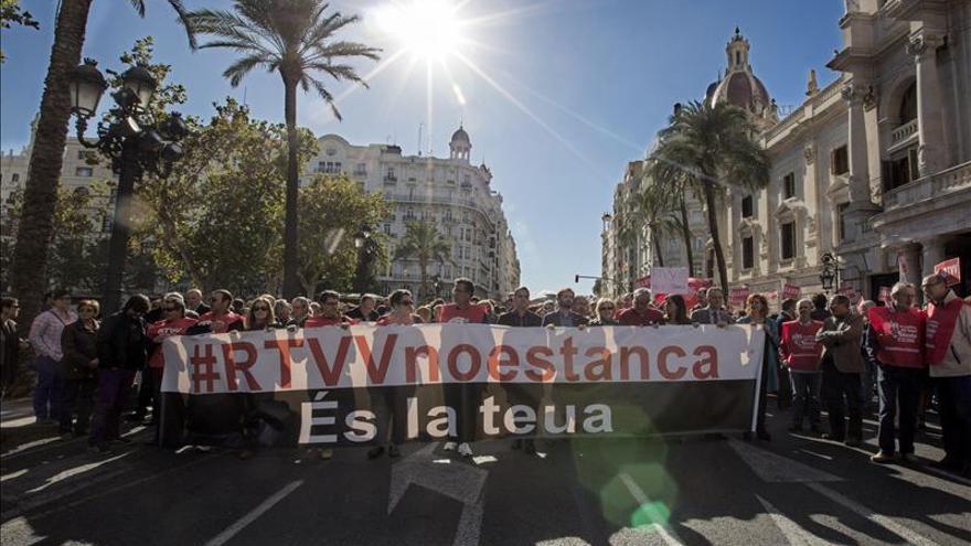 Los trabajadores de RTVV piden en el Congreso que no cierren el canal autonómico