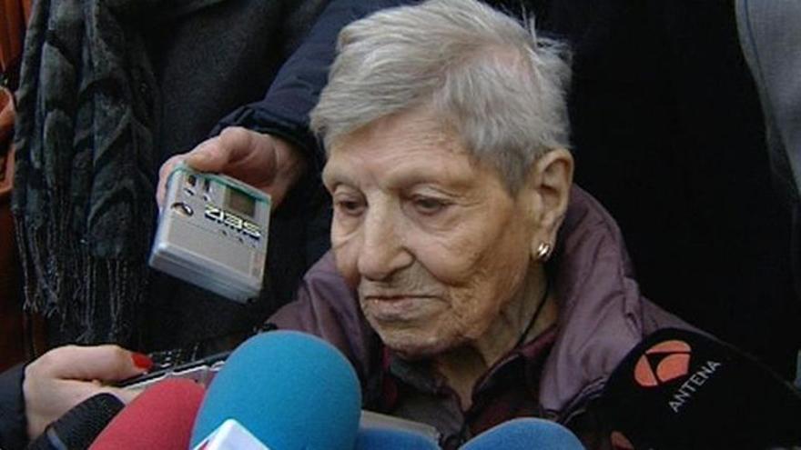 Inés Pérez, madre adoptiva de Inés Madrigal