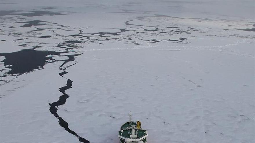 China anima a sus buques a usar el Ártico como alternativa al Canal de Panamá