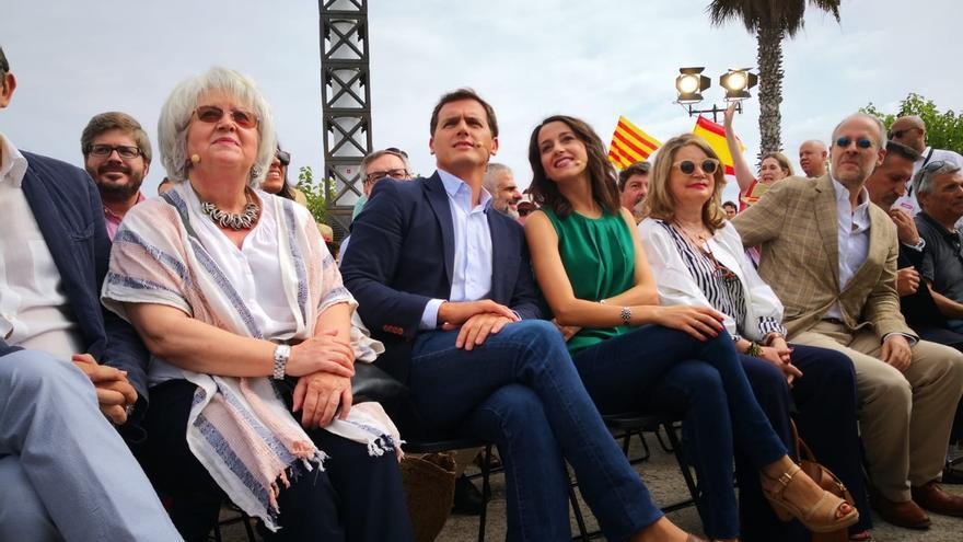 """Rivera pide elecciones y que Sánchez """"no anteponga el sillón a los intereses de España"""""""