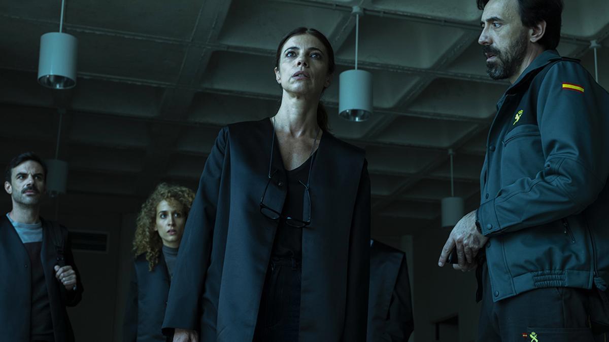 Maribel Verdú e Israel Elejalde en 'Ana Tramel. El juego'
