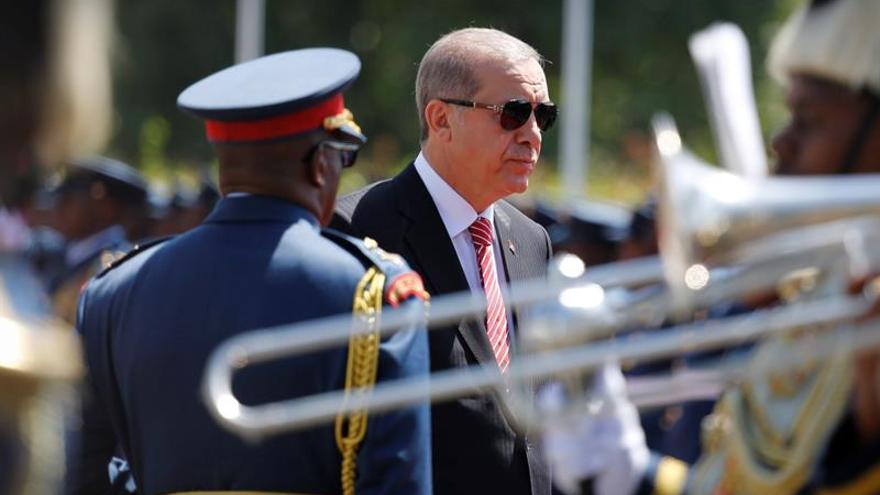 Erdogán se disculpa ante Putin por la muerte del piloto ruso, según el Kremlin