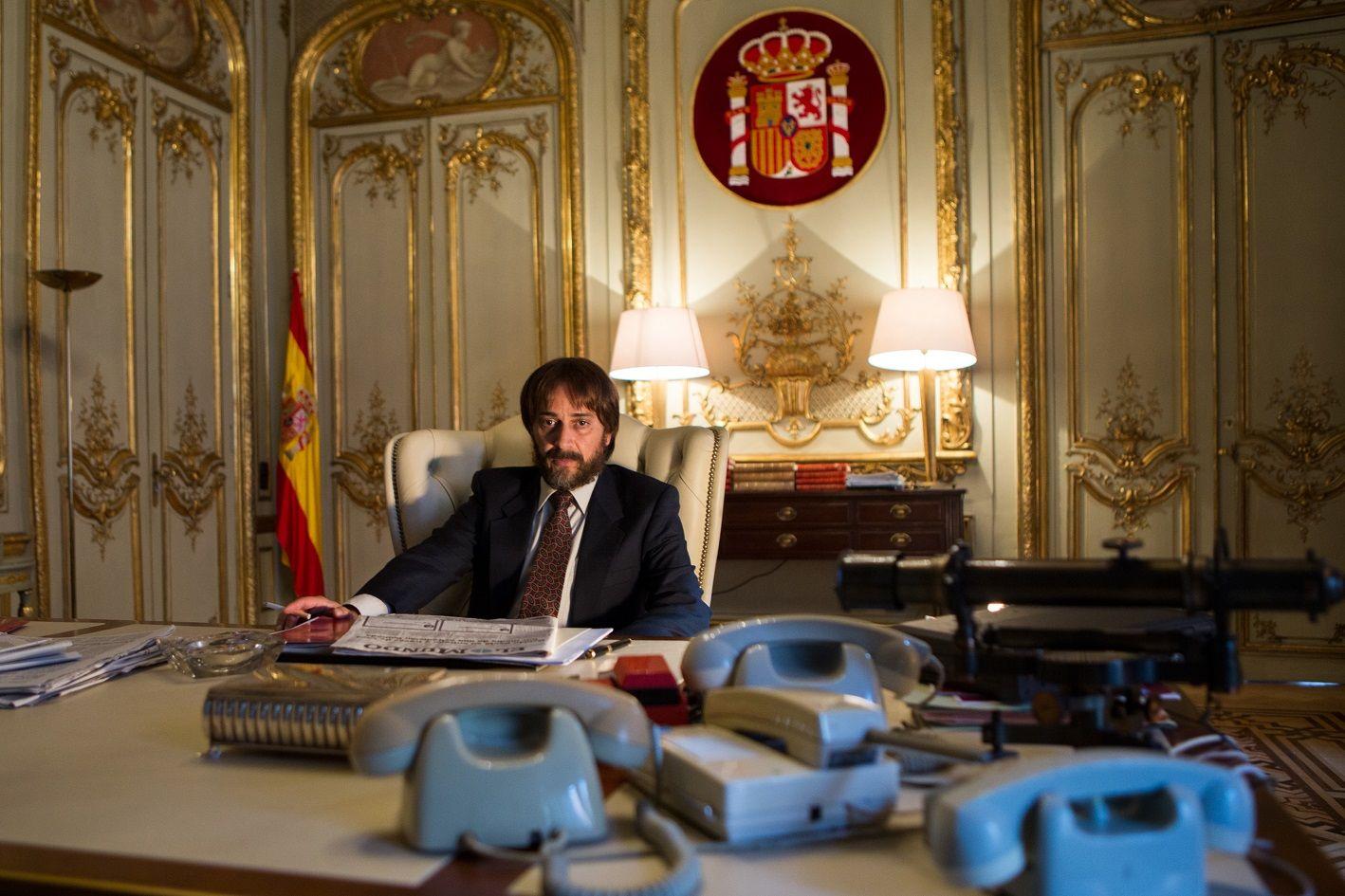 El actor Luis , en el despacho recreado del Ministerio del Interior | JULIO VERGNE