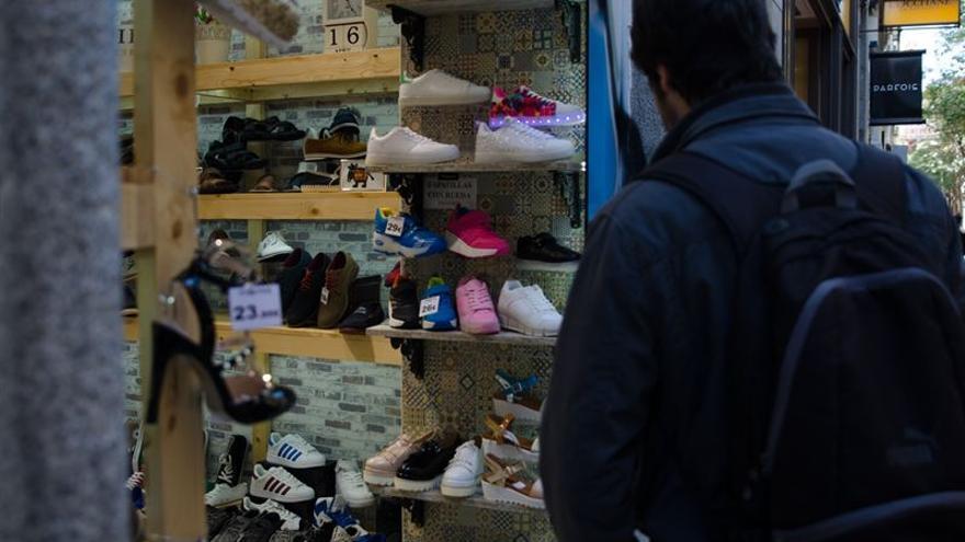 Canarias continúa con el segundo salario más bajo del país con 1.402 euros mensualesia