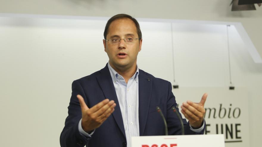 """El PSOE defiende que en Cataluña hay que cambiar """"frontones"""" por """"foros"""" de diálogo"""