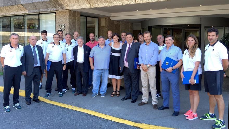 Más de 200 árbitros de fútbol españoles se citan en la ciudad para preparar la próxima temporada