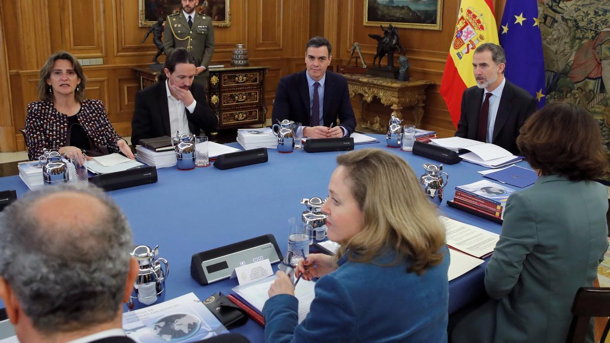 Reunión del Consejo de Seguridad Nacional presidida por el rey.