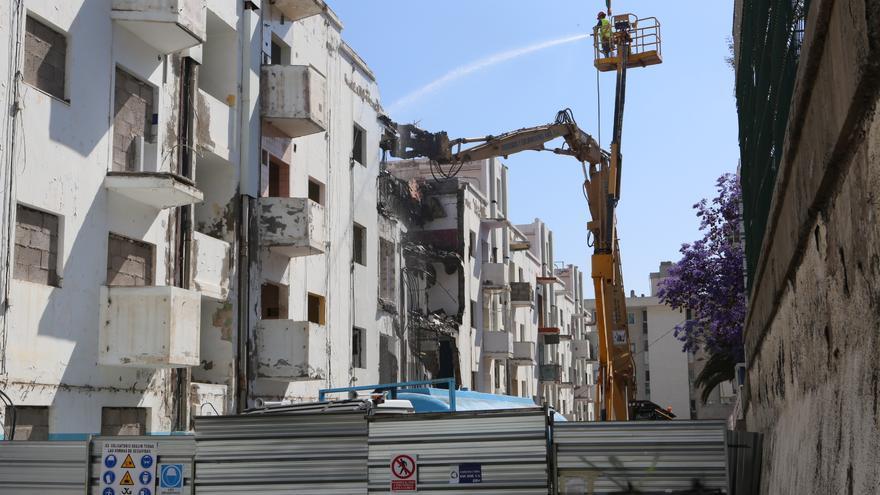 Demolición de las viviendas del antiguo Patronato de Tamaraceite