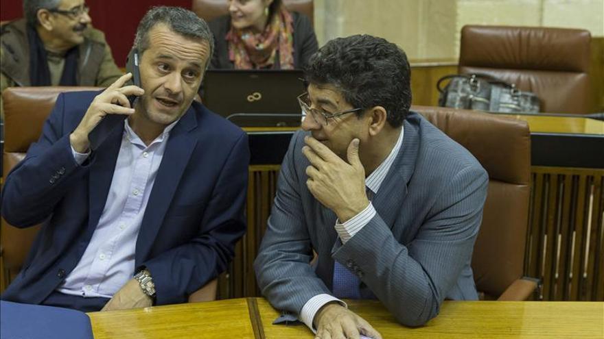 Valderas dice que la dimisión de García es el mejor camino para defender su inocencia