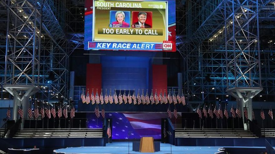 Clinton prepara una celebración abierta al publico pero sin fuegos artificiales