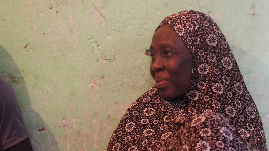 La madre de Oussman Hassane, cuyo cuerpo está enterrado en Ceuta sin identificar.