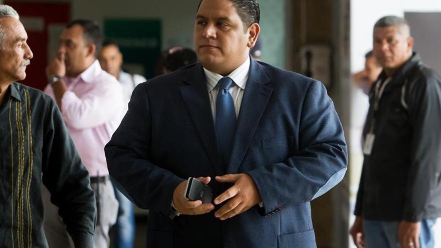 Las firmas para activar el revocatorio a Maduro se revisarán hasta el 2 de junio