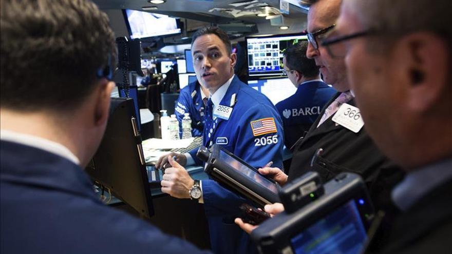 Wall Street abre con ganancias y el Dow Jones sube un 0,64 por ciento