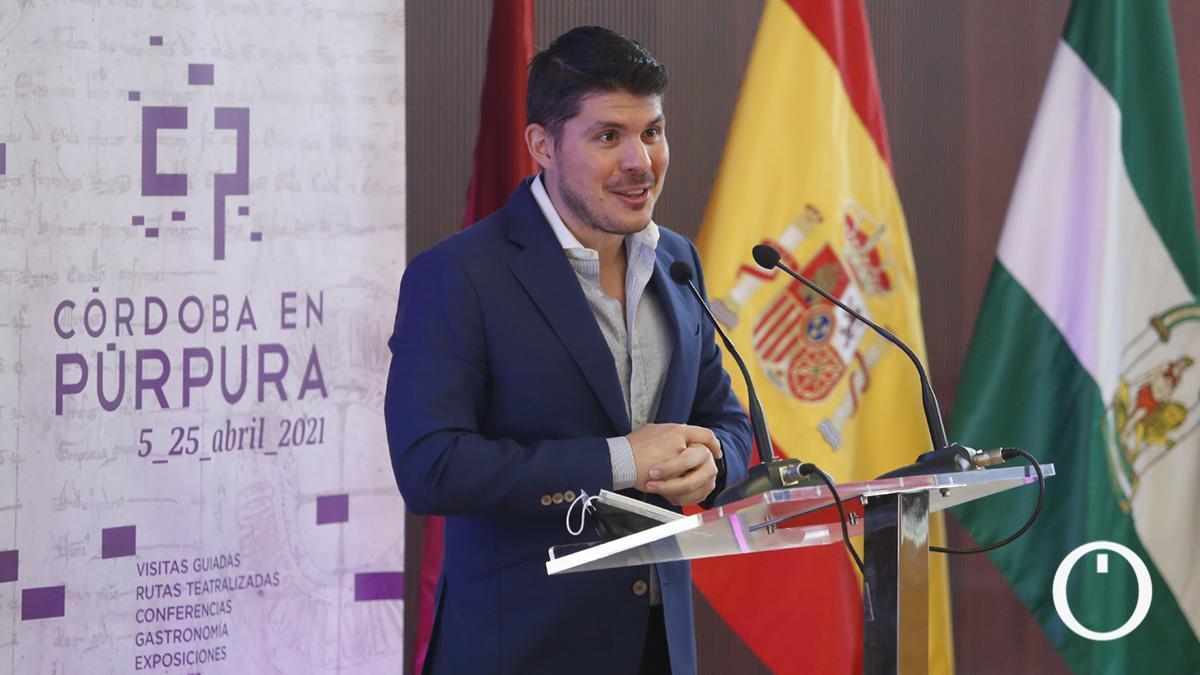 Conferencia Un Paseo por la heráldica religiosa y eclesiástica de Córdoba