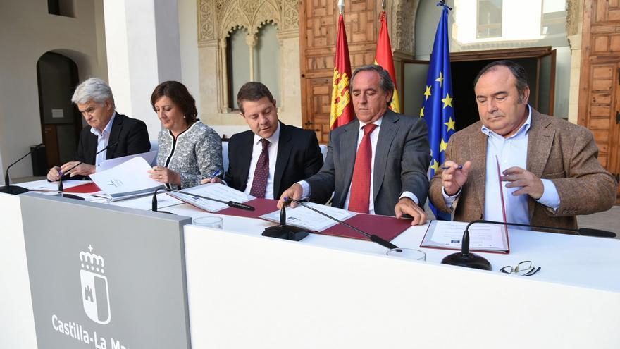 Acto de firma del pacto