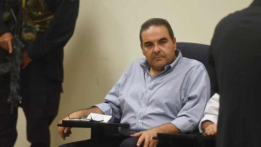 El expresidente salvadoreño Saca reitera su inocencia en el caso de malversación