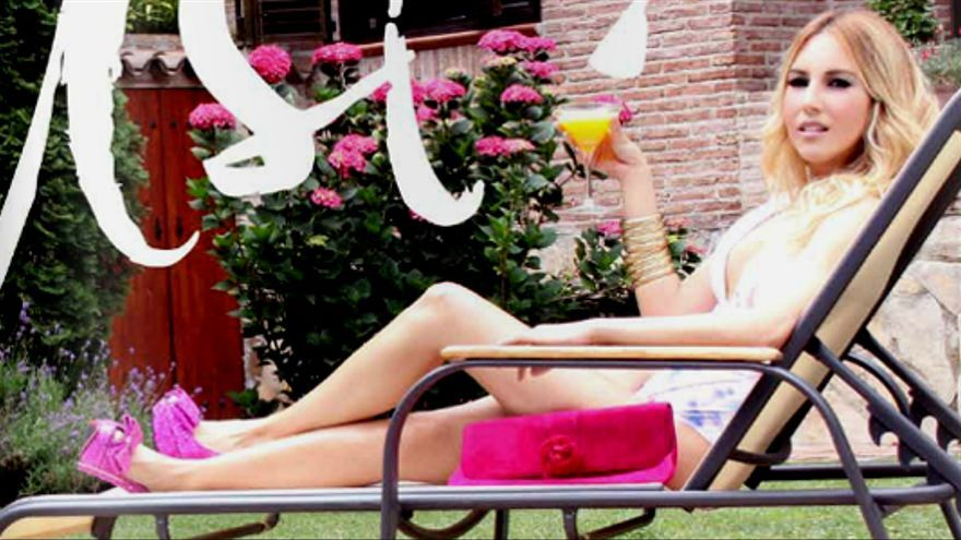 Las presentadoras en bikini son para el verano