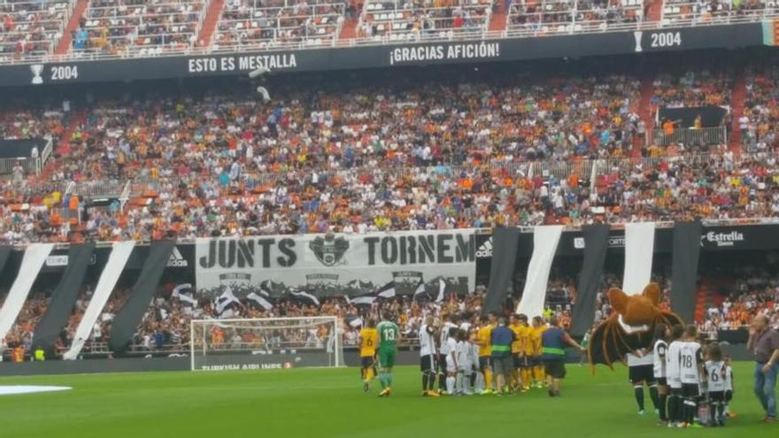 Imagen de la grada de la Curva Nord en el estadio de Mestalla